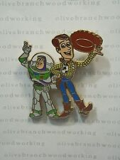 Disney Pixar Toy Story BUZZ LIGHTYEAR WOODY WAVING Tip Cowboy Hat Pin *MOVEMENT*