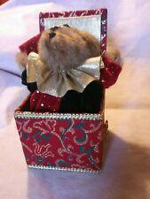 """Musical Treasures� Bear Music Box Boyds Bear"