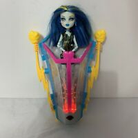 Monster High Frankie Stein Freaky Fusion Recharge Chamber w/ Frankie Doll READ