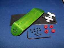 Gator wooden fingerboard compatible with all tech decks toy GreenWhiteRed