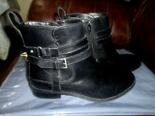 Clarks Artisan Black Leather  Fashion Ankle Boots Side Zip Womens sz  6.5-M