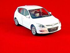 HYUNDAI I-30 ,WHITE WELLY 1/38 DIECAST CAR COLLECTOR'S MODEL , NEW