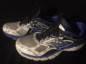 New Balance 860v2 Mens Size 14  Cushion Stability Running Shoes White Blue Black