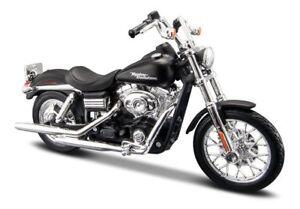 Maisto Modèle Réduit de Moto Harley Davidson 2006 FXDBI Dyna Street Bob 1/18