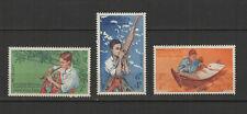 Royaume du Laos 3 timbres non oblitérés 1957 musiciens /T2708