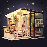 Rolife Holz Puppenhaus mit Möbel Licht DIY Miniatur Haus Mädchen Geschenk Balkon