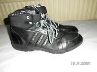 adidas black boots trainers Size UK 8.5 EU 42 US 10