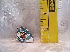 Walt Disney GOOFY JET SKIIS WATER FUN HIDDEN MICKEY Hat Lapel Pin Badge