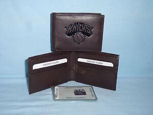 New York NY KNICKS   Leather BiFold Wallet   NEW   dkbr 3s  z