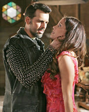 Oded Fehr & Cast (14303) 8x10 Photo