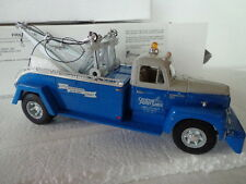 1st GEAR 1957 INTERNATIONAL R200 1/34 SCALE TOW TRUCK CENTRAL PENN SALES