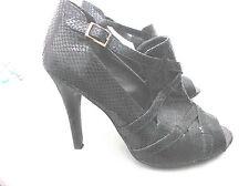 """love label""ladies black  size 6 heeled shoes"