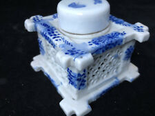 CHINESE BLUE & WHITE PORCELAIN INKWELL Butterflies Encrier Porcelaine Ancien