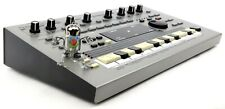 Roland MC-303 Synthesizer 303 808 909 Jupiter Juno + Top Zustand +1.5J Garantie
