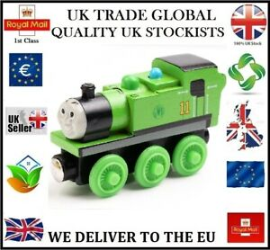 OLIVER THOMAS THE TANK ENGINE FRIENDS WOODEN TOY TRAIN MAGNETIC BRIO COMPATIBLE