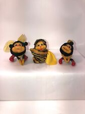 Vintage Hugger Clinger Clip On Lot Of 3 Bees