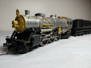 Vintage HO Scale Mantua Pacific custom steam engine & tender brass detail