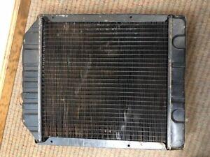 New Holland Radiator Part # D8NN8005SB / 83984124