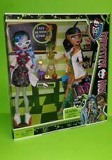 Monster High Dolls Cleo De Nile & Ghoulia Yelps Mad Science Lab Partners New
