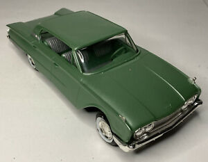 1960 Vintage Green Chevy Impala AMT 1:25 Scale Model Car
