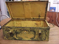LARGE WORLD WAR 2 METAL AMMUNITION BOX