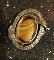 VTG MIRACLE GLASS CARAMEL BANDED AGATE OVAL SCOTTISH PIN BROOCH