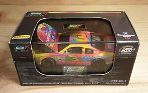 Dale Earnhardt #3 GM Goodwrench Peter Max 2000 Revell Chevy MIB w Display Case