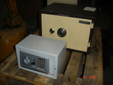 SafeGuard SD103N  Small Combination/Key Safe and security Box  --used
