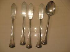 Oneida Stainless Pendant Soup Spoon, Butter Knives Center Ridge, Flared V Tip 5P