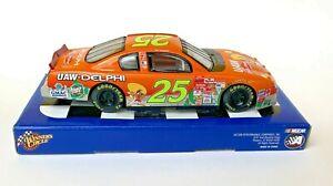 2002 NASCAR  Winner's Circle #15841 Joe Nemechek #25 1:24 Die Cast