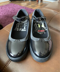 Ladies/ Girls Kickers Shoes Patent Black Size 6  New Back To School