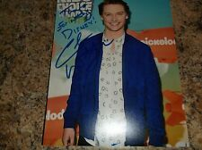 "CALUM WORTHY AUSTIN AND ALLY AUTOGRAPHED 8 X 10 MATTE PHOTO ""INSCRIBED"" (C)"