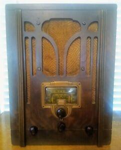 Vintage 1935 Rare RCA Victor Superheterodyne Model 5T Cathedral Tube Radio AM/SW