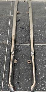 NISSAN QASHQAI J11 GENUINE ILLUMINATED SIDE STEPS KE5434E530 NO BRAKETS