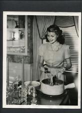 RITA HAYWORTH SERVES UP SPAGHETTI - 1941 VINTAGE PHOTO BY WHITEY SCHAFER