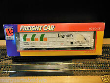 """LIFE-LIKE  HO Scale 62' Waffle Side THRALL DOOR Boxcar """"Lignum"""" RTR"""