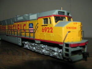 AS IS HO SCALE BACHMANN UNION PACIFIC DD40X THE CENTENNIAL ENGINE WITH LIGHT