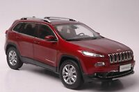 Jeep Cherokee car model in scale 1:18 red