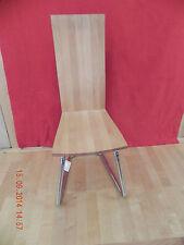 Markenlose Stühle aus Massivholz fürs Esszimmer