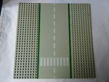 LEGO LIGHT GREY ROAD BASEPLATE WITH ONE ZEBRA CROSSING x 1 (986)