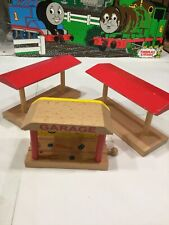 Thomas And Brio Compatible (2) Station Plataform And Garage