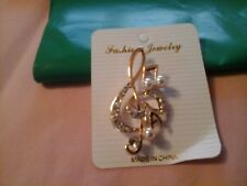 BROOCH Gorgeous Gift Treble Clef  Gold colour with pearls and crystals MUSICAL