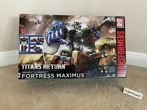 Fortress Maximus - Transformers Titans Return Titan Class Set - No Reserve!