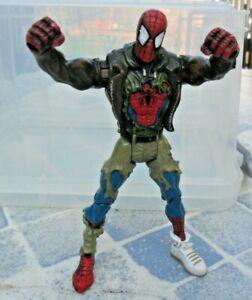 """Vintage Marvel / ToyBiz - Battle Damaged Spider-Man - 5"""" Action Figure"""