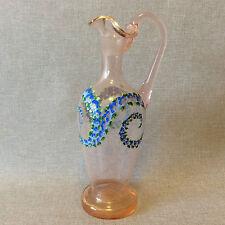 Superbe carafe en verre rose émaillé décor floral 2e moitié XVIII ème anonyme