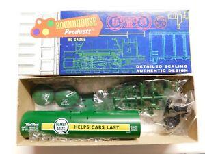 HO Scale - Roundhouse - Tank Train Quaker State Tank Car Train Kit GATX #69263