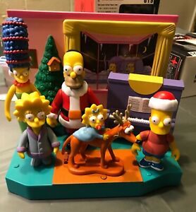 Playmates Simpsons Springfield WOS Christmas Family figs and playset. Holiday