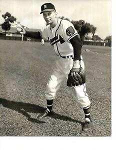 1952 Original File Photo Boston Braves Rookie Second Baseman Jack Dittmer!!
