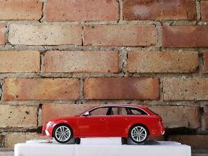 1:18 Minichamps 2013 Audi RS6 Avant Red Rare Dealer Edition not modified