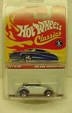 Hot Wheels 2006 Classics Series 2 VW Bug Convertible chrome 2 tone white #21 /30